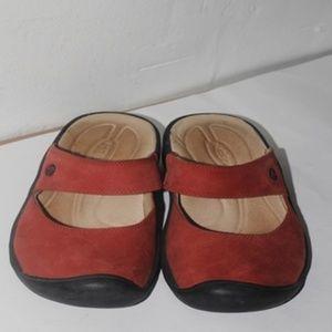 Womens Sz 8 KEEN Sandals Slides closed toe